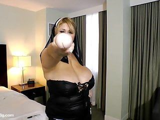 Bbw nun samantha 38g drills her bulky twat with toy