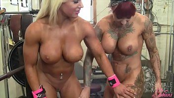 Female bodybuilder lesbos tattoos and titties